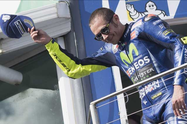 https://static.fanpage.it/wp-content/uploads/sites/13/2017/10/valentino-rossi-umili-638x425.jpg