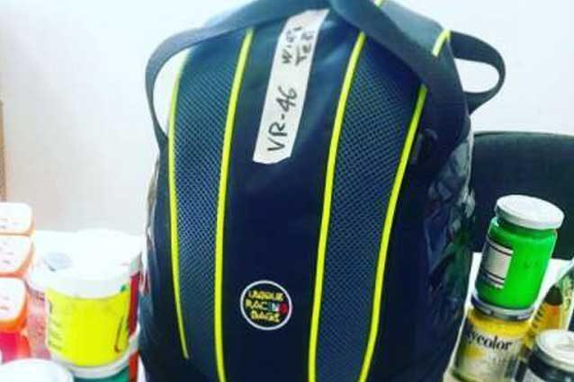 MotoGP | Rossi cade e distrugge la sua Yamaha