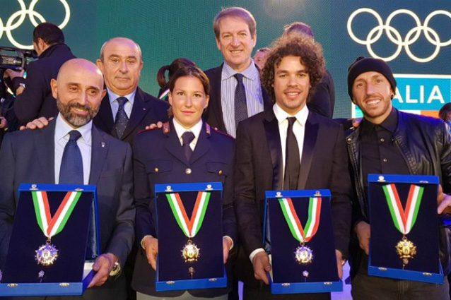 Kiara Fontanesi, Frano Morbidelli e Tony Cairoli con il Collare d'oro – Foto Twitter