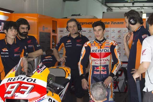 MotoGP Thai Test: Honda prova il forcellone in carbonio!