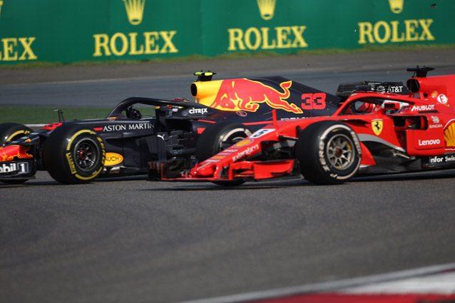 Il contatto tra Verstappen e Vettel – LaPresse