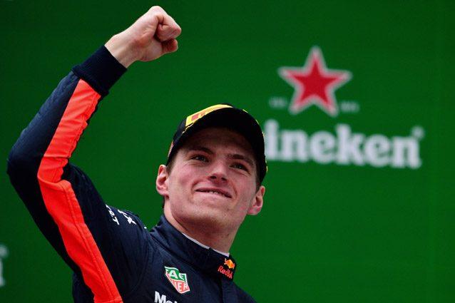 Max Verstappen esulta dopo il 3° posto nel GP della Cina 2017 – Getty images