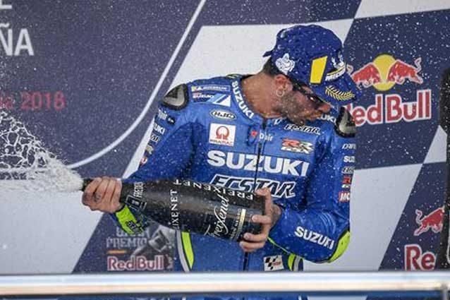 Andrea Iannone festeggia sul podio di Jerez / Suzuki Ecstar