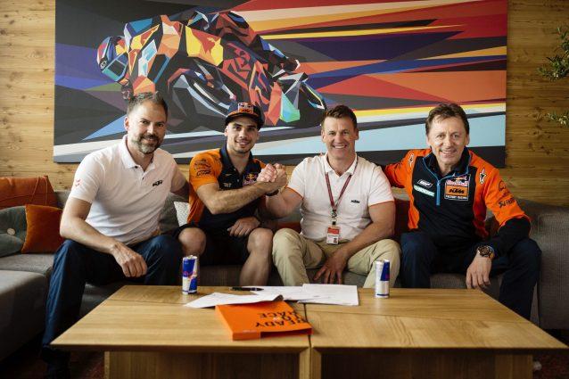 Oliveira fa il salto: in MotoGP con Ktm dal 2019