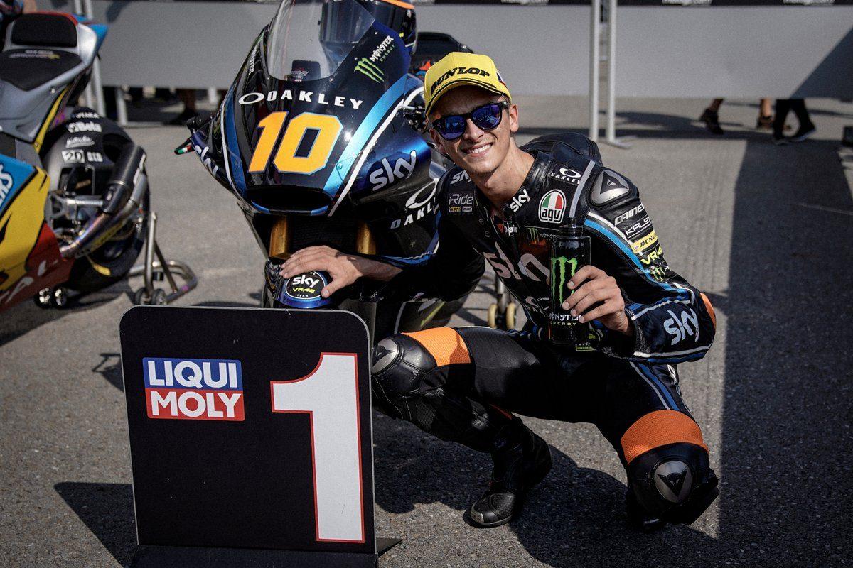 Luca Marini al parco chiuso dopo aver conquistato la pole a Brno / Vr46 Riders Academy