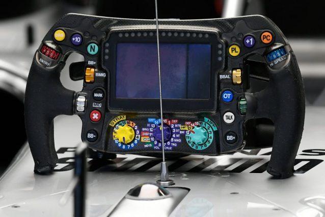 F1, il volante Mercedes vietato, ma solo dal 2021