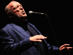 Addio a Joe Cocker, la voce roca del rock che partì dalle cover e arrivò all'Oscar