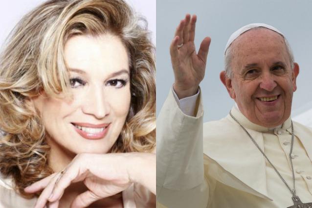 """Papa Francesco duetta con Iva Zanicchi in """"Nostro padre - Padre nostro"""" (VIDEO)"""