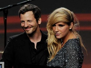 Dr. Luke e Kesha durante i ASCAP Pop Music Awards nel 2011 (Getty Images)