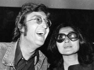 John Lennon e Yoko Ono a Londra nel 1971 (Getty Images)