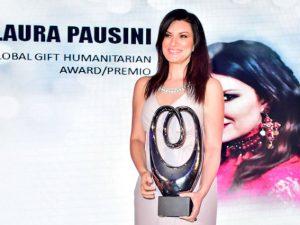 Laura Pausini durante la premiazione dei Global Gift Award