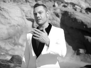 """Tiziano Ferro, dopo il backstage arriva il video ufficiale di """"Potremmo ritornare"""""""