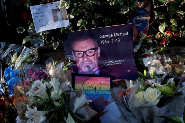 """L'autopsia non basta a chiarire le cause della morte di George Michael: """"Inspiegabile"""""""