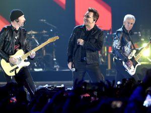 The Edge, Bono e Adam Clayton degli U2 (Kevin Winter/Getty Images)