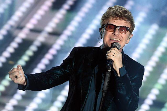 """Sanremo 2017, Ron canta """"L'ottava meraviglia"""" (TESTO E AUDIO)"""