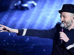 """Sanremo 2017, Samuel canta la cover di """"Ho difeso il mio amore"""" dei Nomadi"""