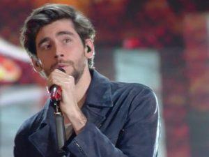 """Sanremo 2017, il medley di Soler al festival, con """"Sofia"""", """"El mismo sol"""" e """"Animal"""""""