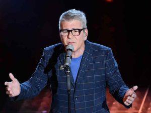"""Sanremo 2017, Michele Zarrillo canta """"Se tu non torni"""" di Miguel Bosé"""