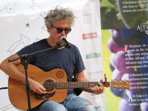 """Album e tour per i 20 anni di carriera di Niccolò Fabi: """"Storia di uno che ce l'ha fatta"""""""