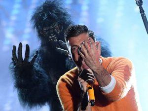 """Tutti i cambi di """"Occidentali's Karma"""" di Francesco Gabbani, modificata per l'Eurofestival"""