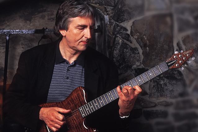 È morto Allan Holdsworth, il miglior chitarrista del mondo secondo Frank Zappa