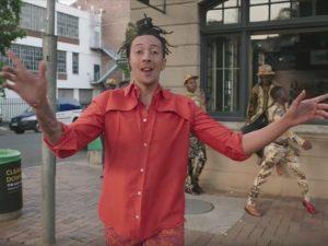 """In attesa del suo primo """"Album"""", Ghali pubblica il video di """"Happy Days"""""""
