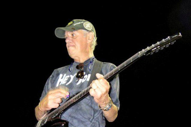 Ex chitarrista di Vasco si toglie la vita