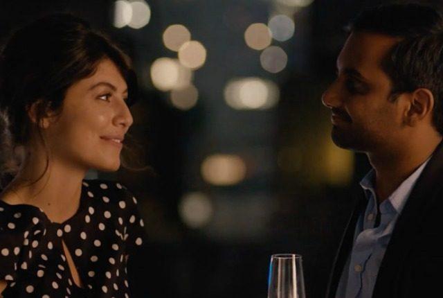 "Aziz Ansari e Alessandra Mastronardi in ""Master of None"""