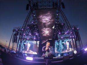 Tiziano Ferro durante il concerto allo Stadio di Lignano Sabbiadoro