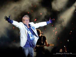 """I 60 anni di Nino D'Angelo: """"Al San Paolo una festa con tanti ospiti, peccato manchi Pino"""""""