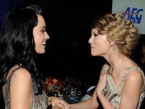 """La Swift vince la battaglia dello streaming con Katy Perry che dice: """"Le voglio bene"""""""