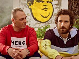 """Fabri Fibra e Tommaso Paradiso dei Thegiornalisti nel video di """"Pamplona"""""""