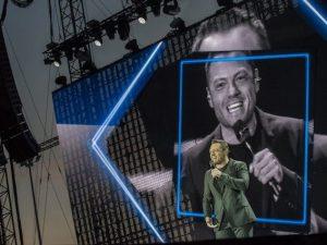 """Tiziano Ferro chiude il tour a Firenze e si emoziona: """"Non so se merito questo amore"""""""