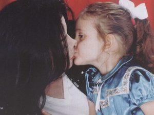 """Gli auguri di compleanno della figlia a Michael Jackson: """"Saremo sempre una cosa sola"""""""