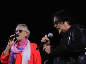 Andrea Bocelli e Renato Zero (LaPresse)