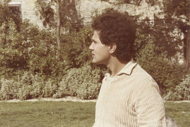 A 20 anni dalla morte Lucio Battisti ancora in testa alla classifica, vola anche Coez