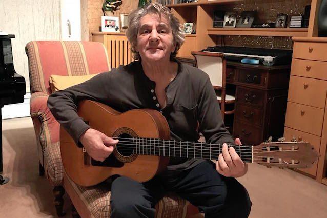 Furto a casa di Fausto Leali, le foto su Facebook