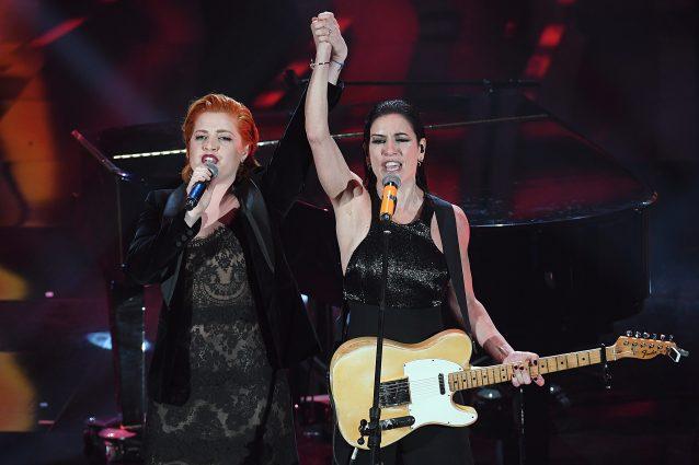 Sanremo 2018, Noemi canta con Paola Turci