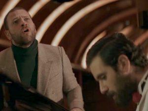 """Thegiornalisti, il nuovo singolo è """"Questa nostra stupida canzone d'amore"""": Borghi nel video"""