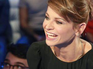 Alessandra Amoroso non perdona ed esordisce ancora prima davanti alla sorpresa Valerio Scanu
