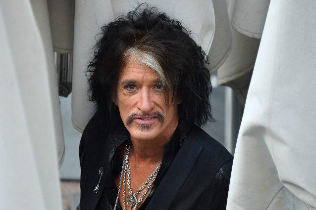Malore per il chitarrista degli Aerosmith Joe Perry