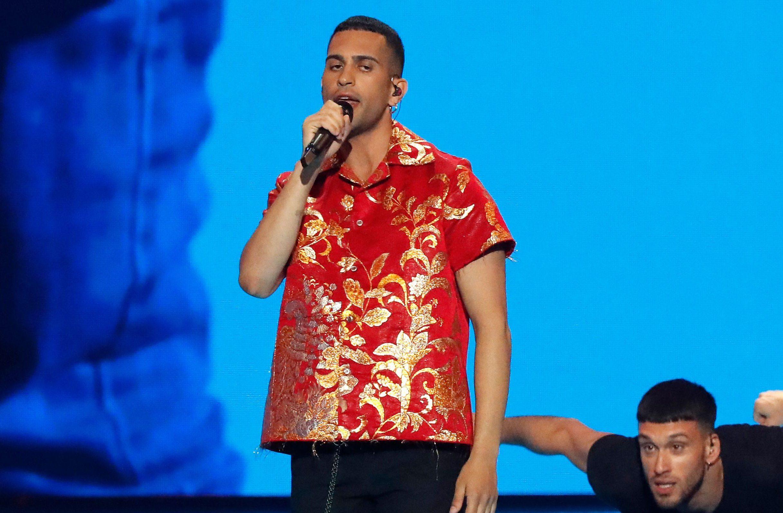 Sanremo 2020, cambia il regolamento per l'Eurovision: i cantanti sceglieranno prima se partecipare - Music Fanpage