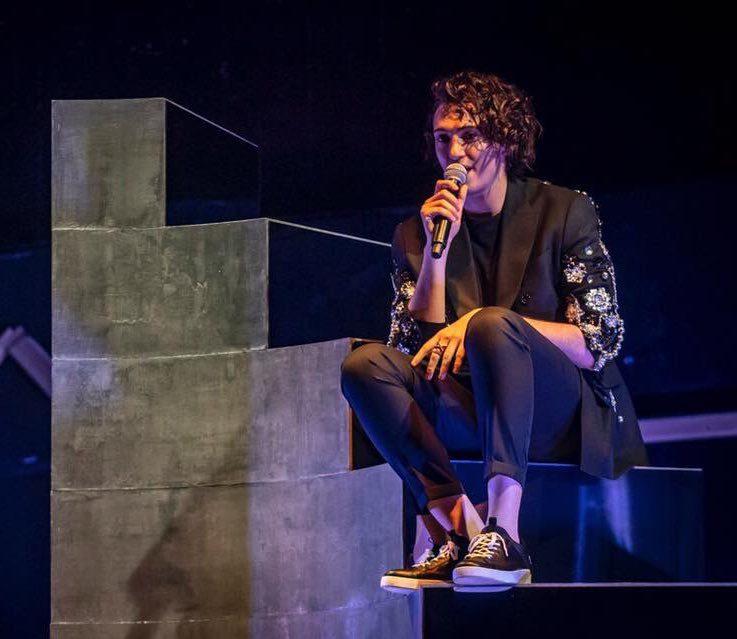 """Michele Bravi live dopo l'incidente: """"Vi auguro la nebbia per ..."""