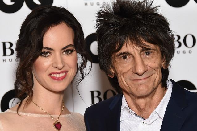 Ronnie Wood ancora papà a 69 anni, la moglie Sally ha partorito le gemelle Gracie e Alice