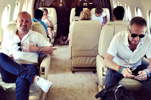 Aereo Privato Di Abramovich : Sonia bruganelli moglie di bonolis noleggiamo l aereo