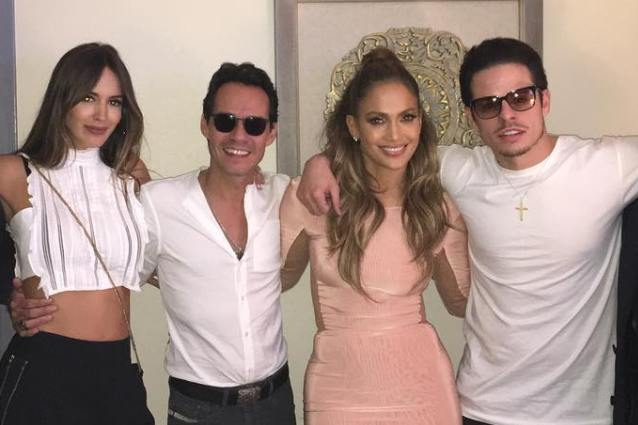 La famiglia allargata di J. Lo, con lei ci sono Casper Smart e l'ex marito Marc Anthony