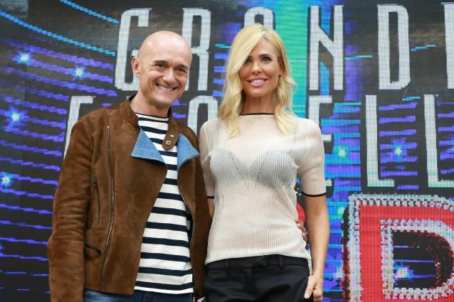La prima puntata del 'Grande Fratello Vip': Ilary Blasi, Alfonso Signorini e i concorrenti