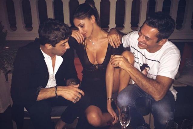 Belen Rodriguez ha compiuto 32 anni: al compleanno c'è anche Andrea Iannone