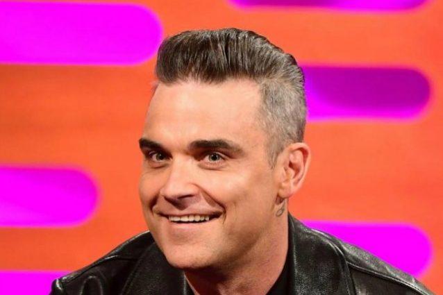 """Robbie Williams esagera col botox: """"Non riesco più a muovere la fronte"""""""
