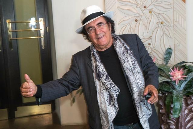"""Albano Carrisi operato nella notte per un infarto: """"Ora sto bene"""""""